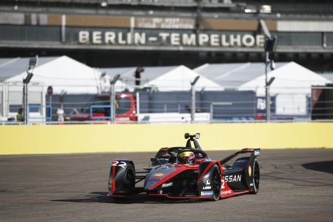 BERLIN TEMPELHOF AIRPORT, GERMANY - AUGUST 05: Oliver Rowland (GBR), Nissan e.Dams, Nissan IMO2 during the Berlin ePrix I at Berlin Tempelhof Airport on Wednesday August 05, 2020 in Berlin, Germany. (Photo by Andrew Ferraro / LAT Images)