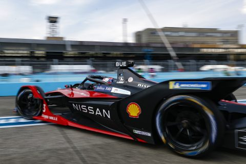 BERLIN TEMPELHOF AIRPORT, GERMANY - AUGUST 09: Sébastien Buemi (CHE), Nissan e.Dams, Nissan IMO2 leaves the pits during the Berlin ePrix IV at Berlin Tempelhof Airport on Sunday August 09, 2020 in Berlin, Germany. (Photo by Sam Bloxham / LAT Images)