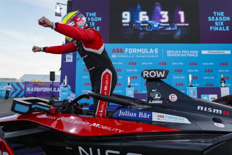 BERLIN TEMPELHOF AIRPORT, GERMANY - AUGUST 12: Oliver Rowland (GBR), Nissan e.Dams celebrates during the Berlin ePrix V at Berlin Tempelhof Airport on Wednesday August 12, 2020 in Berlin, Germany. (Photo by Sam Bloxham / LAT Images)