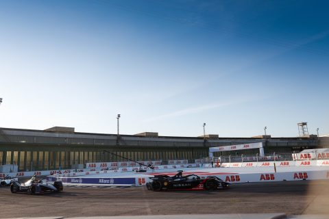 BERLIN TEMPELHOF AIRPORT, GERMANY - AUGUST 12: Oliver Rowland (GBR), Nissan e.Dams, Nissan IMO2 during the Berlin ePrix V at Berlin Tempelhof Airport on Wednesday August 12, 2020 in Berlin, Germany. (Photo by Andrew Ferraro / LAT Images)