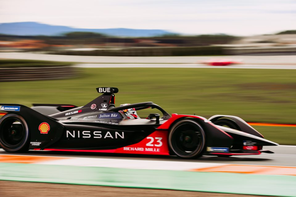 Nissan e.dams working hard at Formula E preseason test